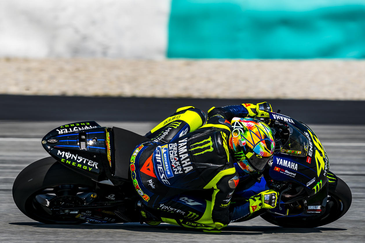 helm pista gp r agv winter test 2019 valentino rossi