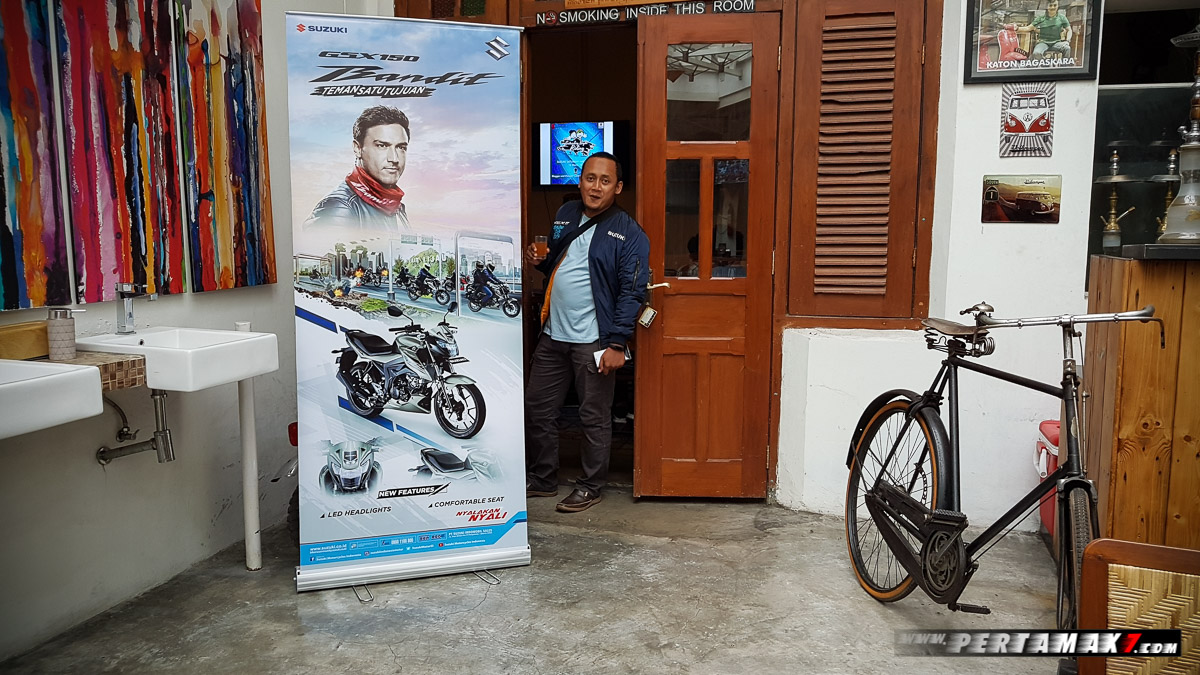 Blogger Suzuki Night Riding Jogja