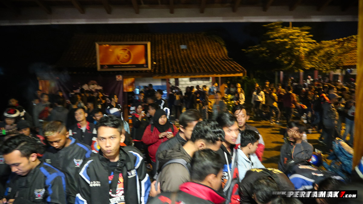 Rombongan Suzuki Night Riding Jogja