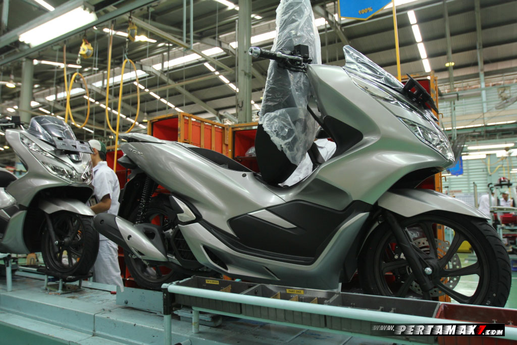 Video Honda PCX Silver Matte Sophisticated