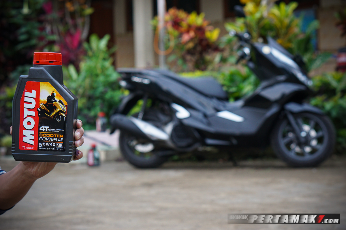 Motul Scooter Power LE 5W40 Honda PCX Lokal