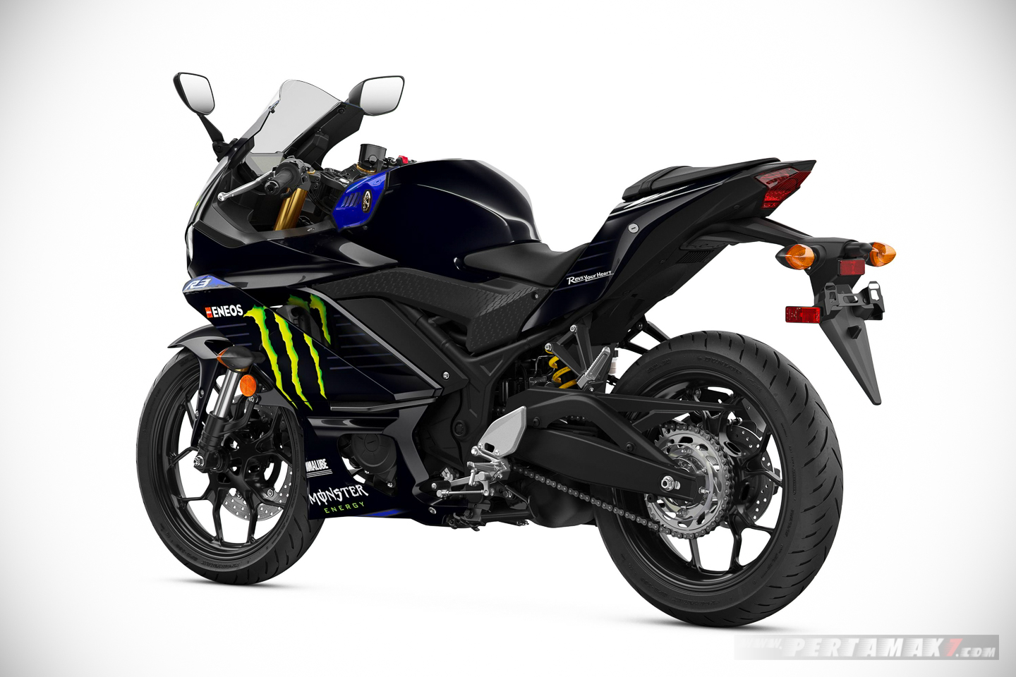 Yamaha R3 Monster Energy belakang kiri