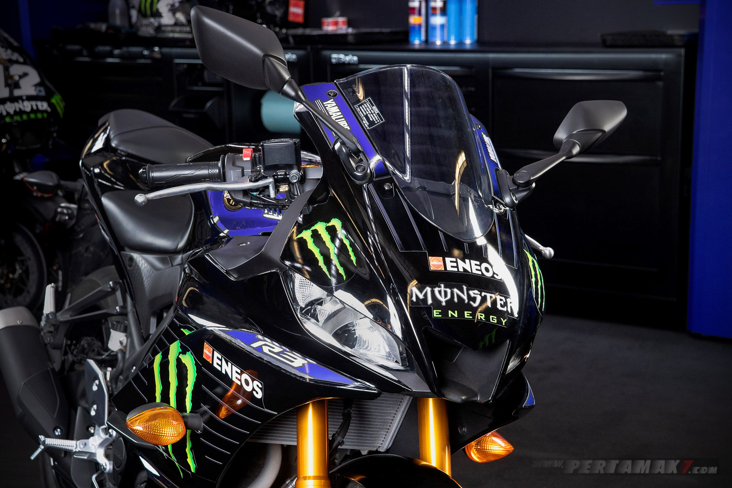 Yamaha R3 Monster Energy headlight
