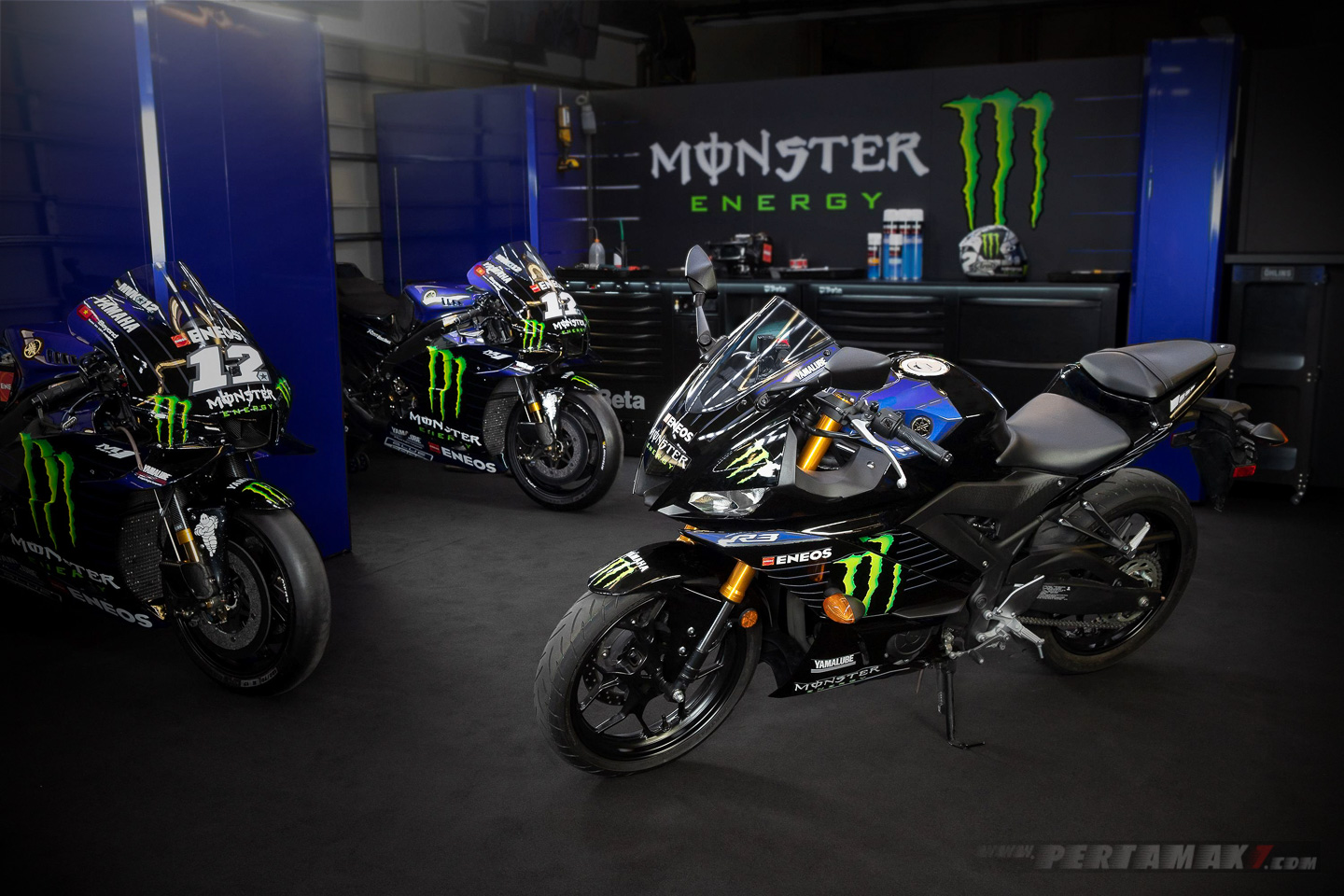 Yamaha R3 Monster Energy paddock motogp