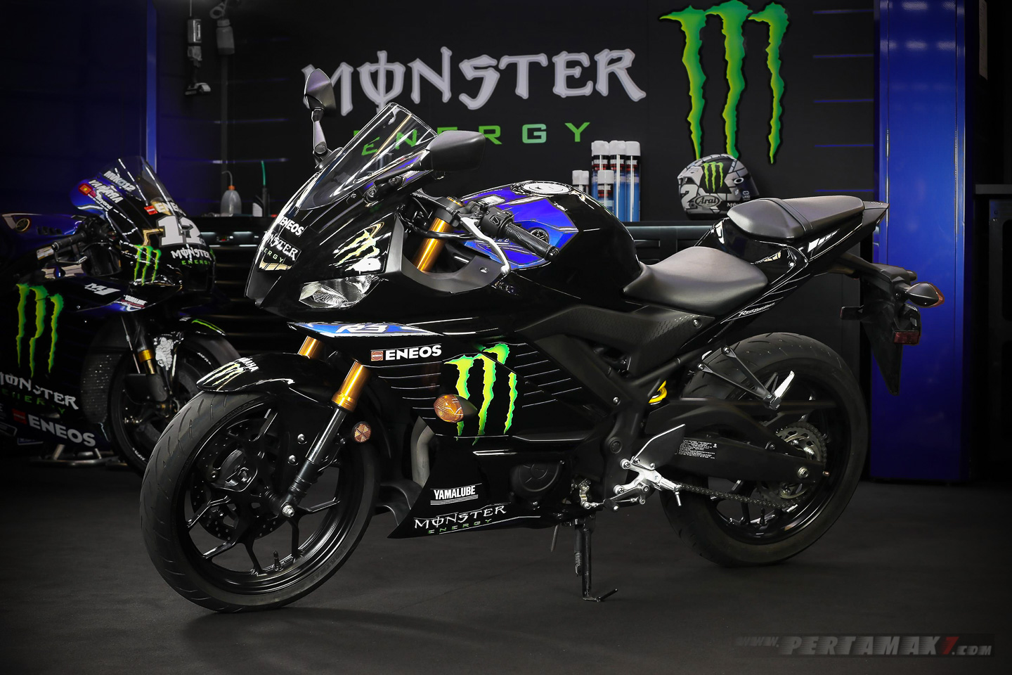 Yamaha R3 Monster Energy terbaru