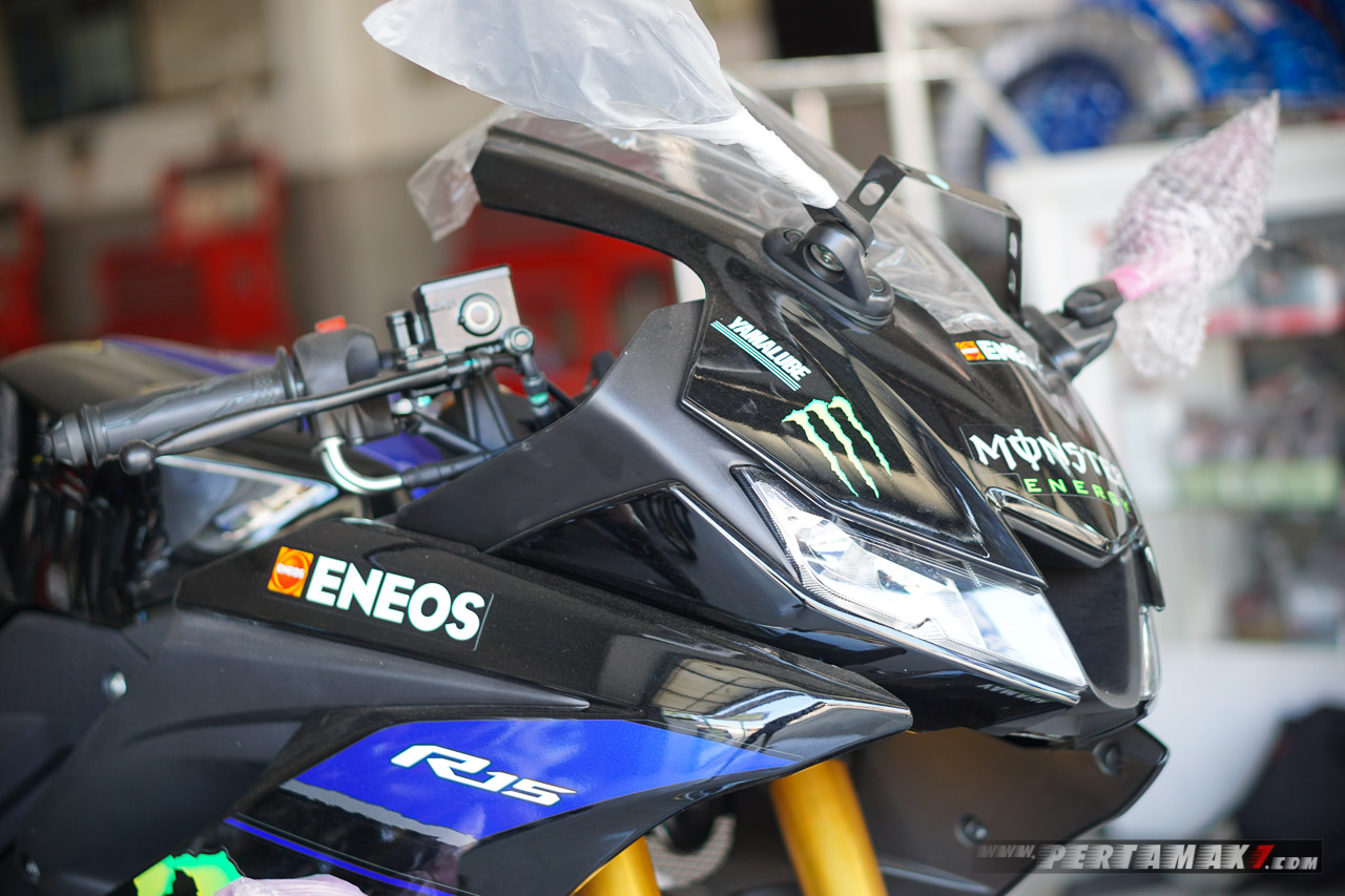 sponsor Yamaha R15 Monster Energy MotoGP 2019