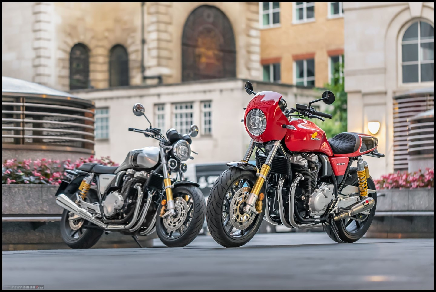 HONDA CB1100RS 5FOUR VS Standar