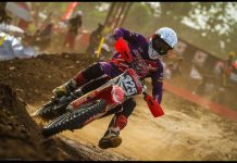 Aksi Crosser AHRT MX2 FInal Kejurnas Motocross