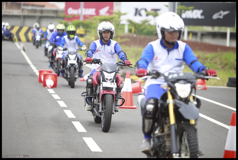DAM Gelar Pelatihan Safety Riding Blogger Vlogger Jabar 9 P7