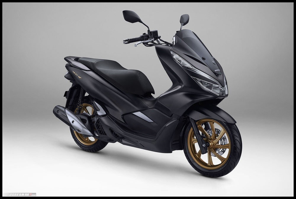 Honda PCX 2020 Glorious Matte Black