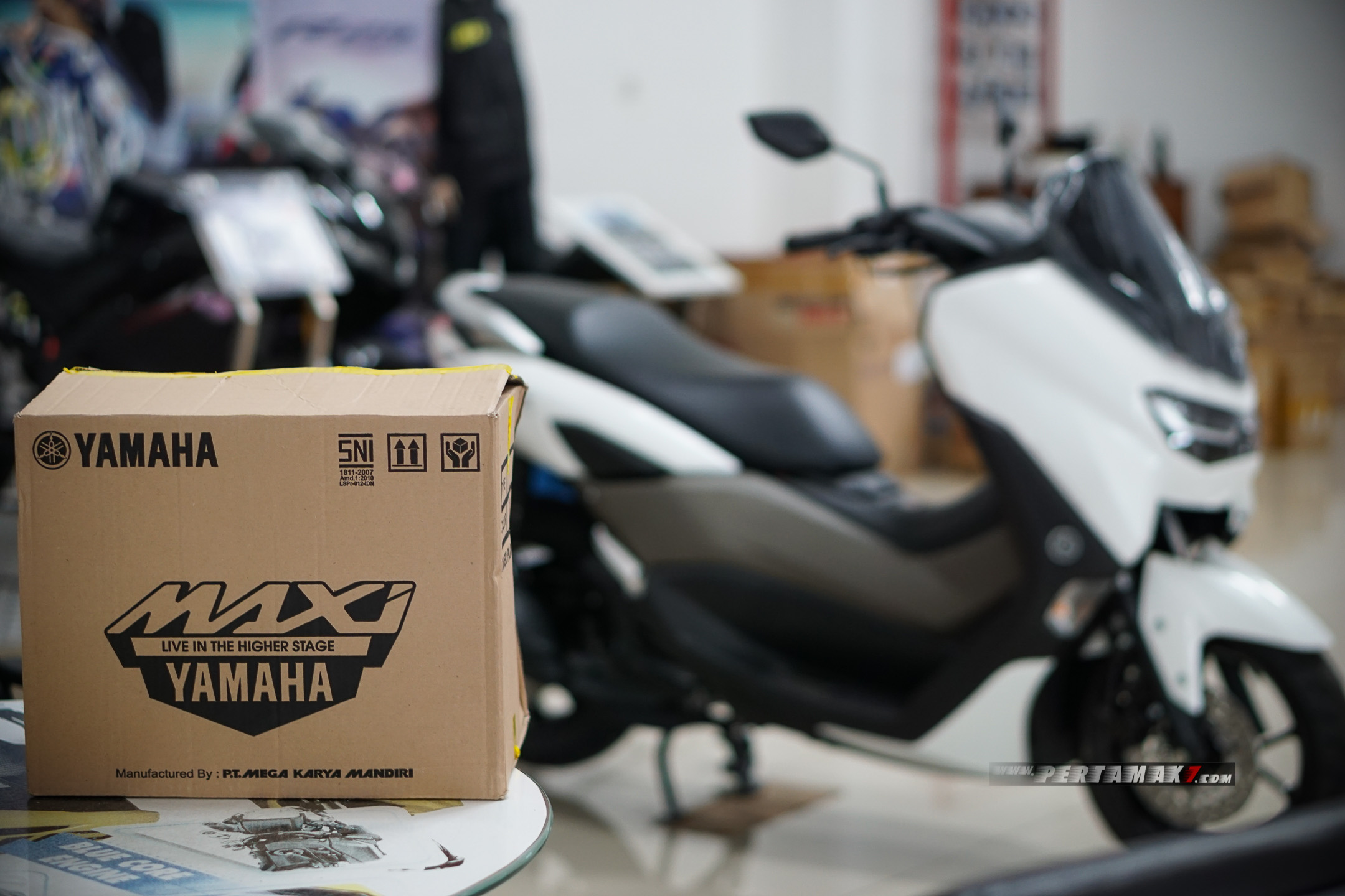 Video Unboxing Helm Yamaha NMAX 2020