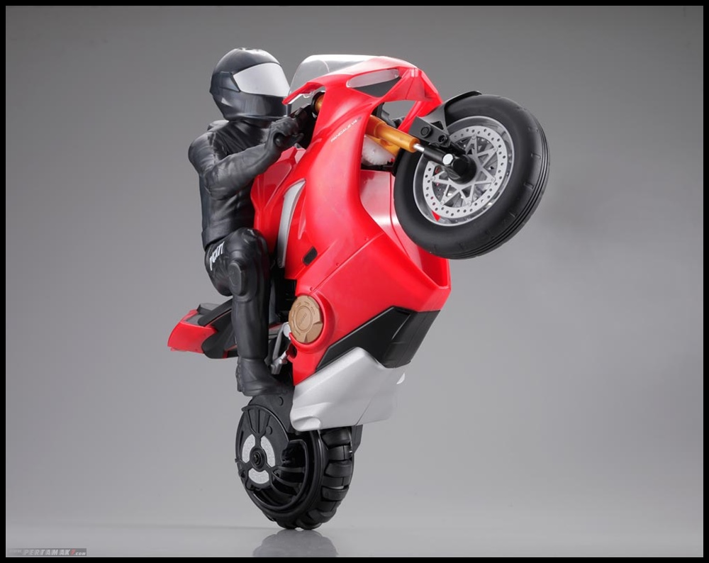 Aksi Wheelie RC Upriser Ducati Panigale V4 Official Licensed Product