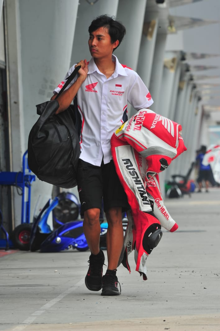 Tips Merawat Wearpack Ala Pebalap Astra Honda Racing Team