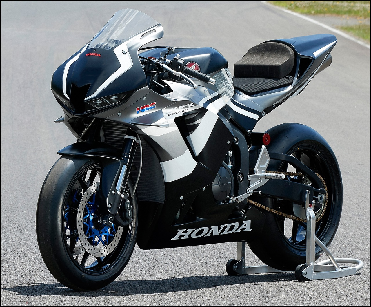 Honda CBR600RR MY2021 Versi Balap Limited Edition By HRC