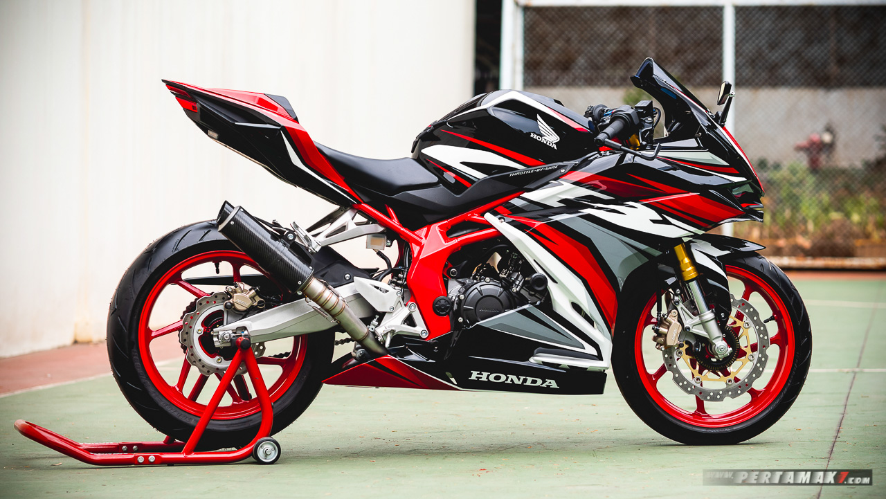 Modifikasi Honda CBR250RR SP QS ABS