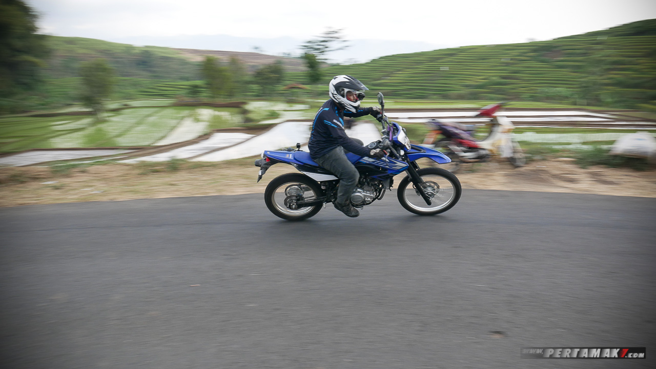 Review Yamaha WR155R On Road