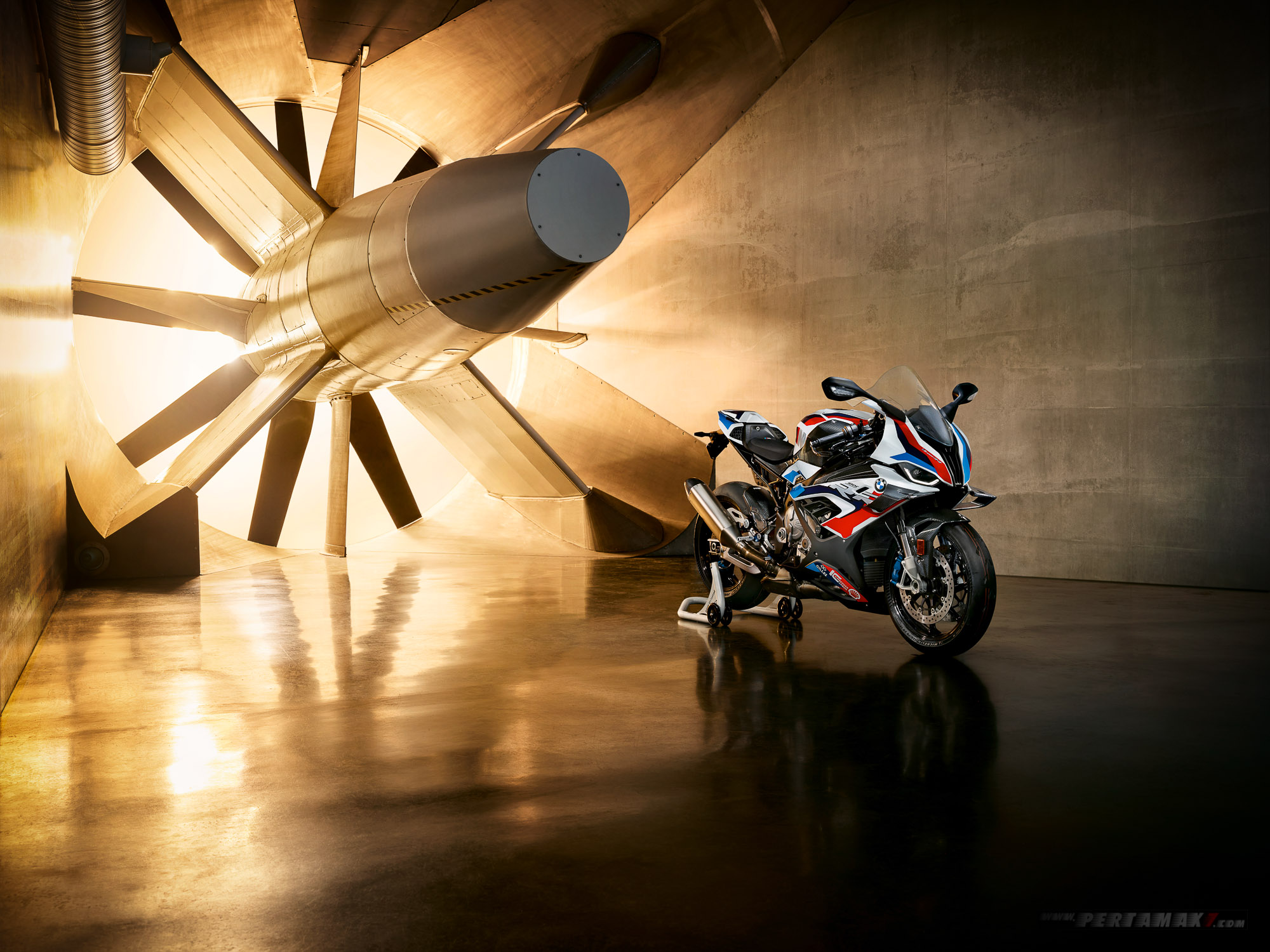 Wallpaper BMW M1000RR Superbike