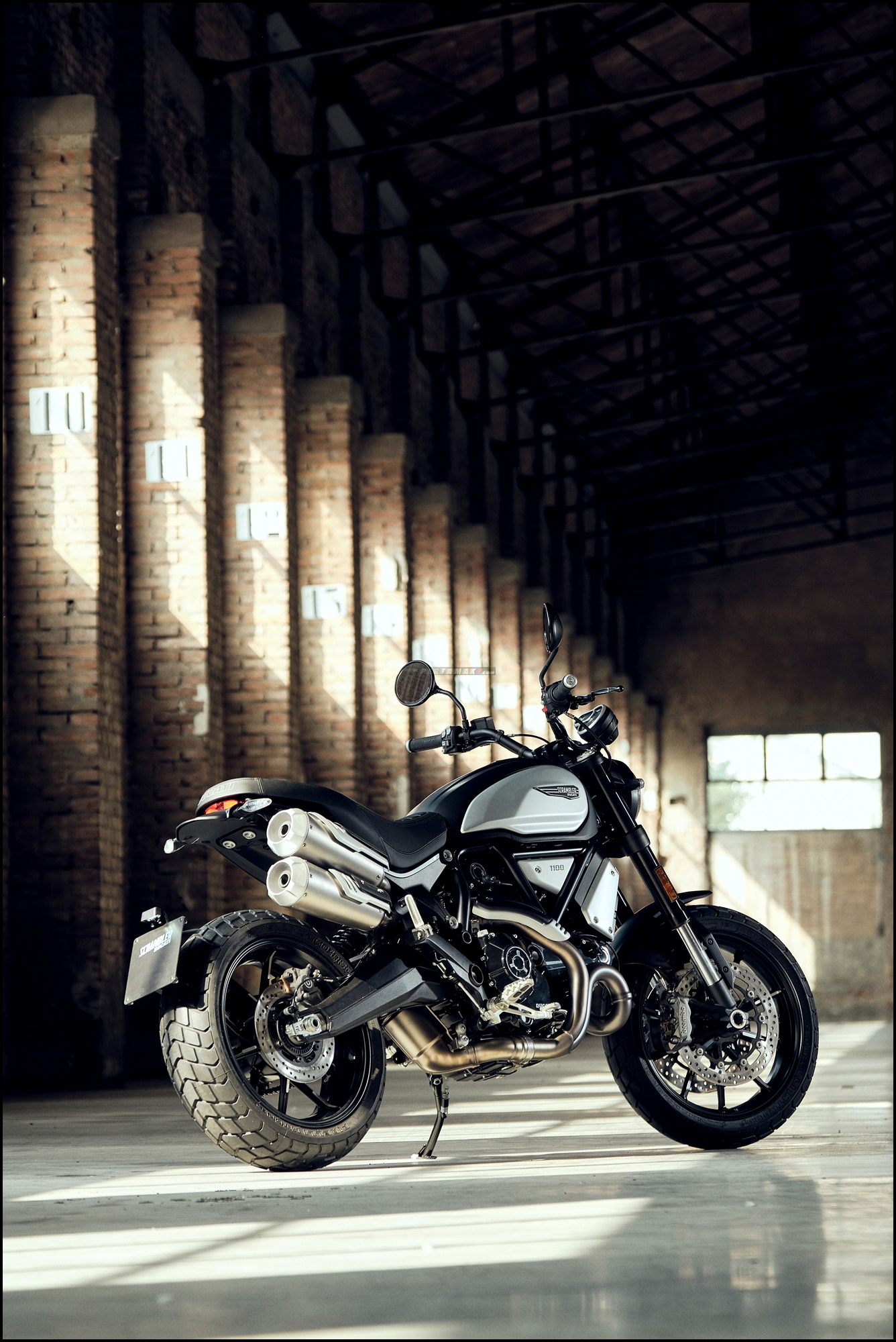 Wallpaper Ducati Scrambler 1100 PRO Dark Version 2021