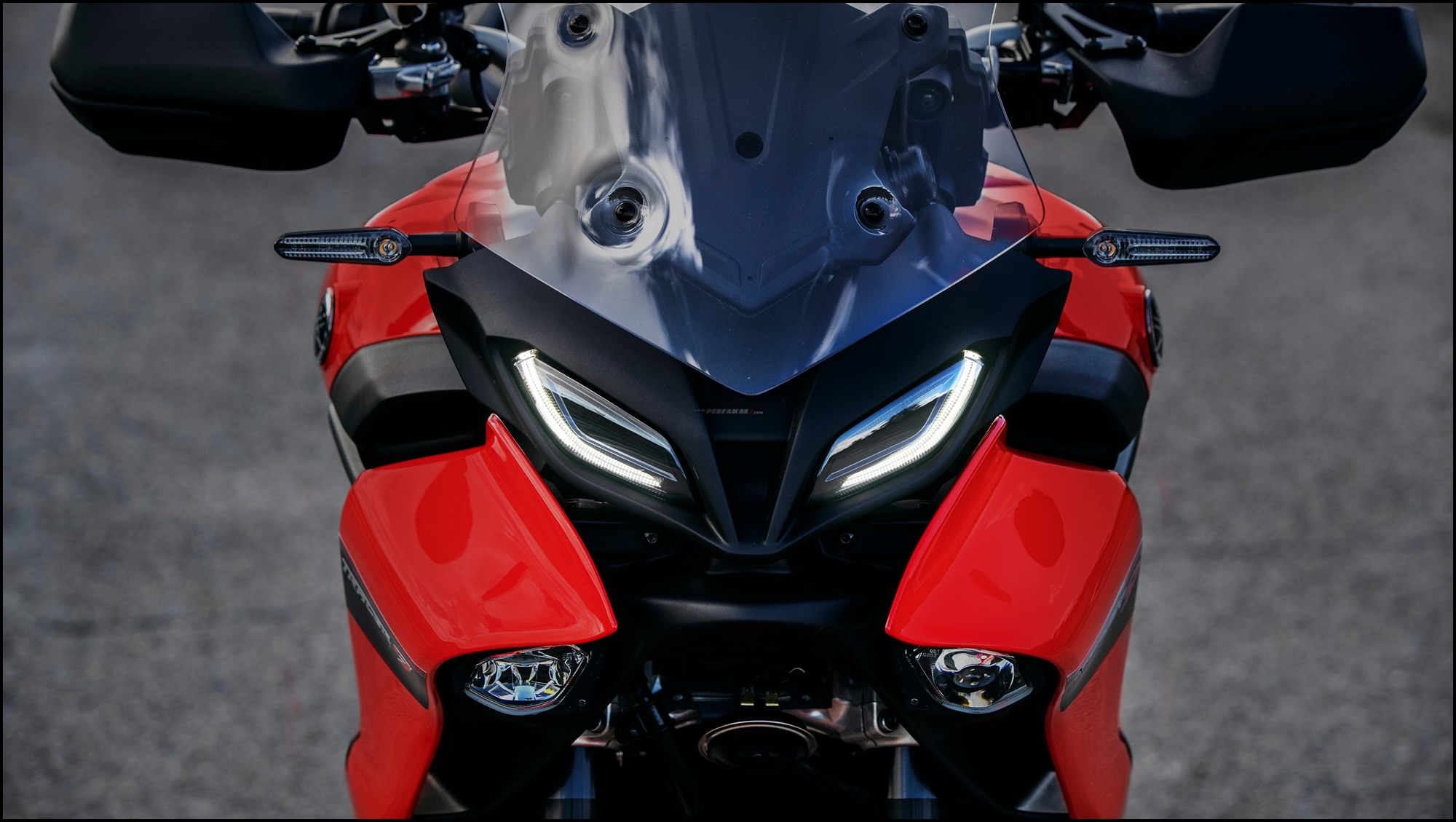 Wallpaper Yamaha Tracer 9 MY2021