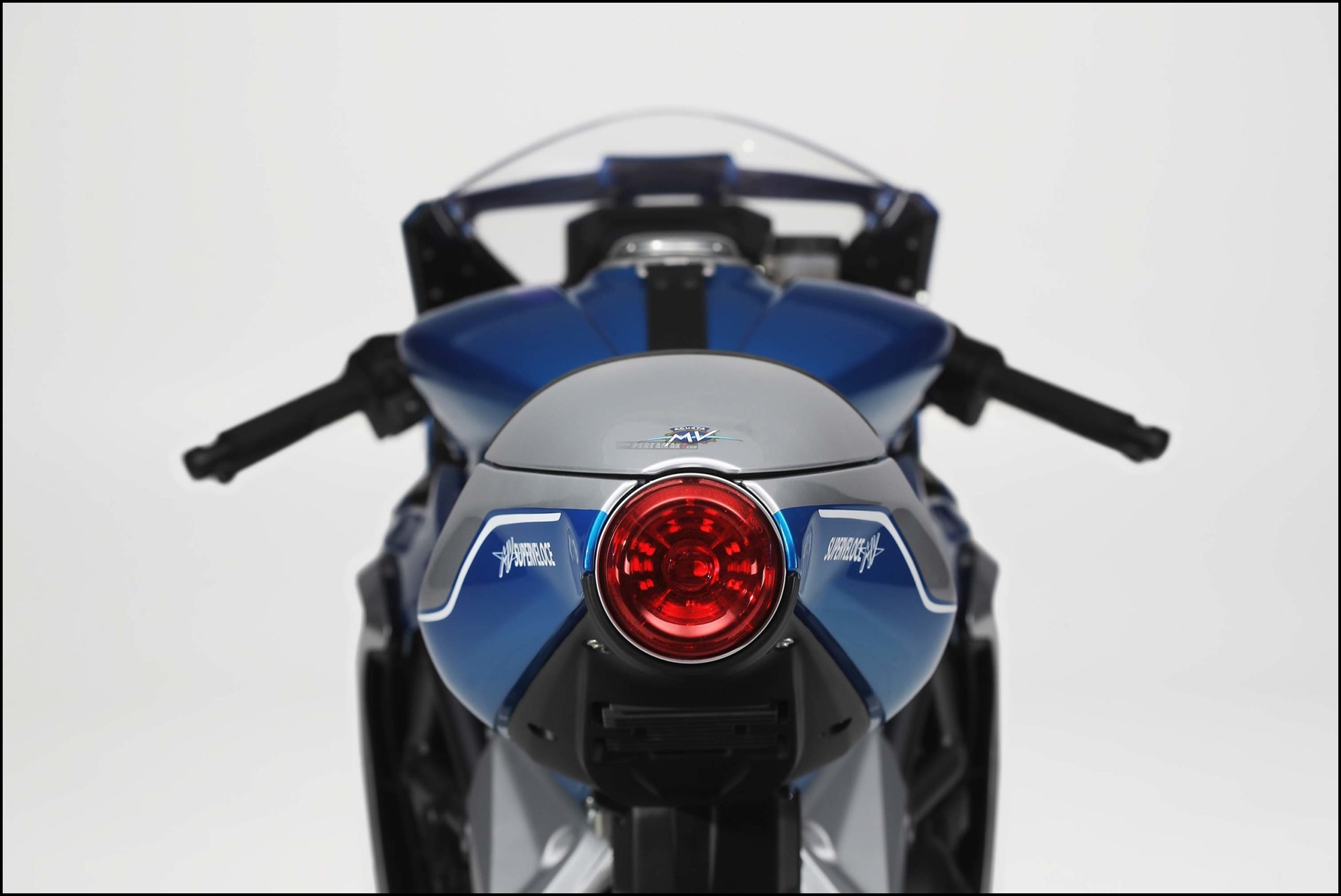Wallpaper MV Agusta Superveloce Alpine
