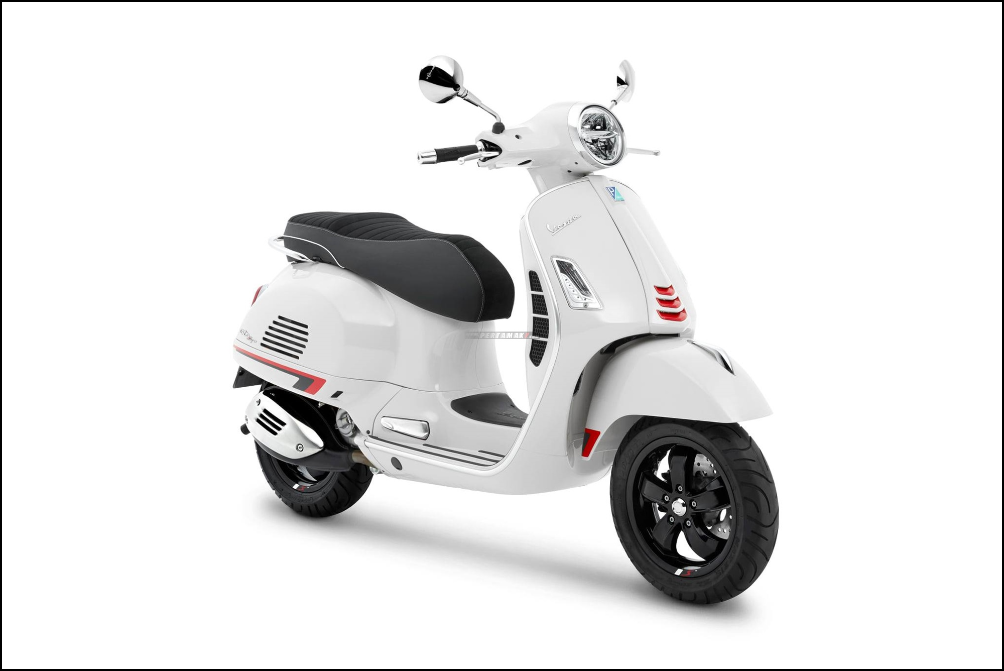 Vespa GTS Super Sport 300 HPE Putih New White Innocenza
