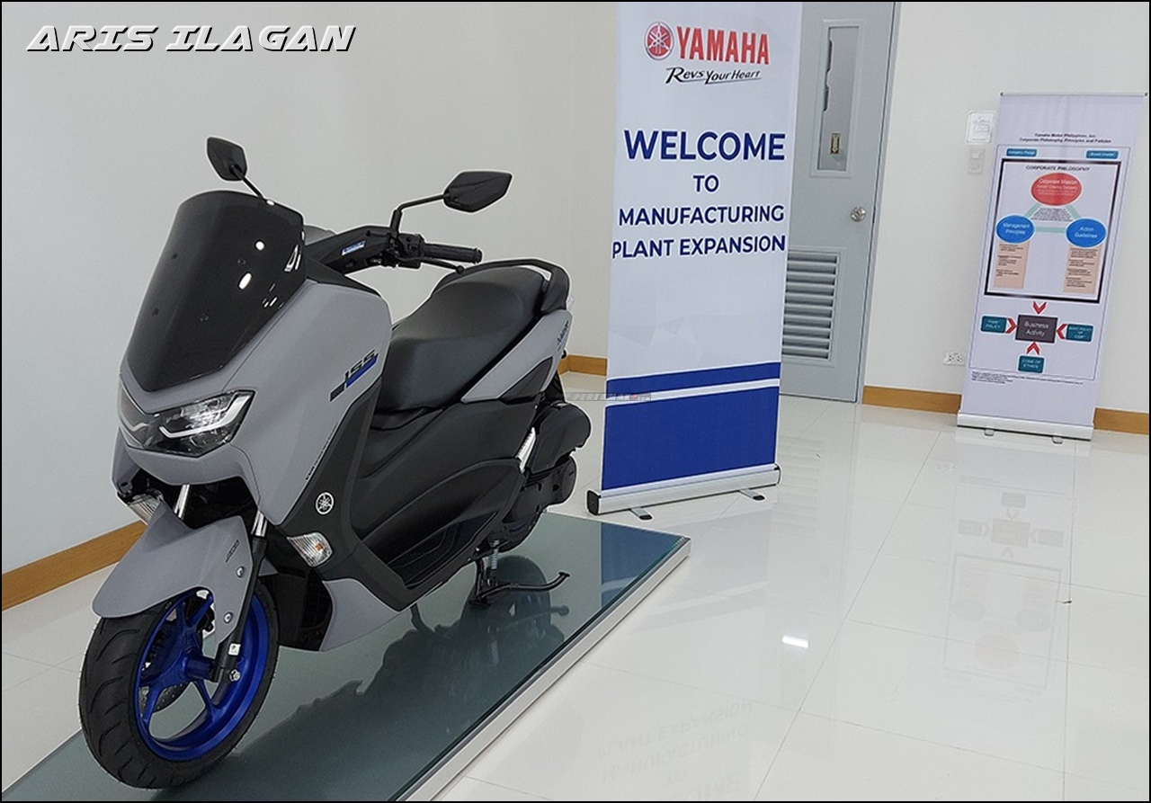 Yamaha NMAX Connected Icon Gray Velg Biru